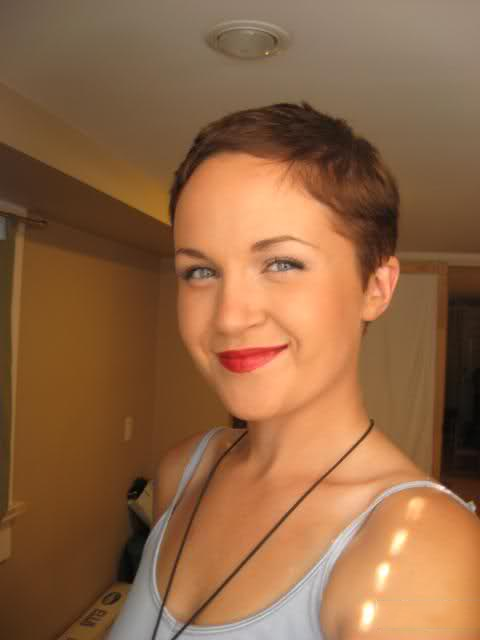 Представительницы слабого пола с короткими волосами - коллекция 003. Порно волос.