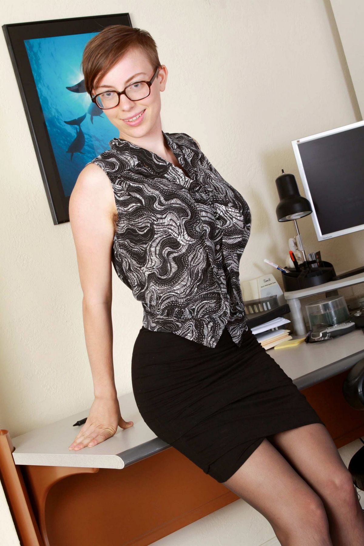 Представительницы слабого пола с короткими волосами - коллекция 003. Порно слабый.
