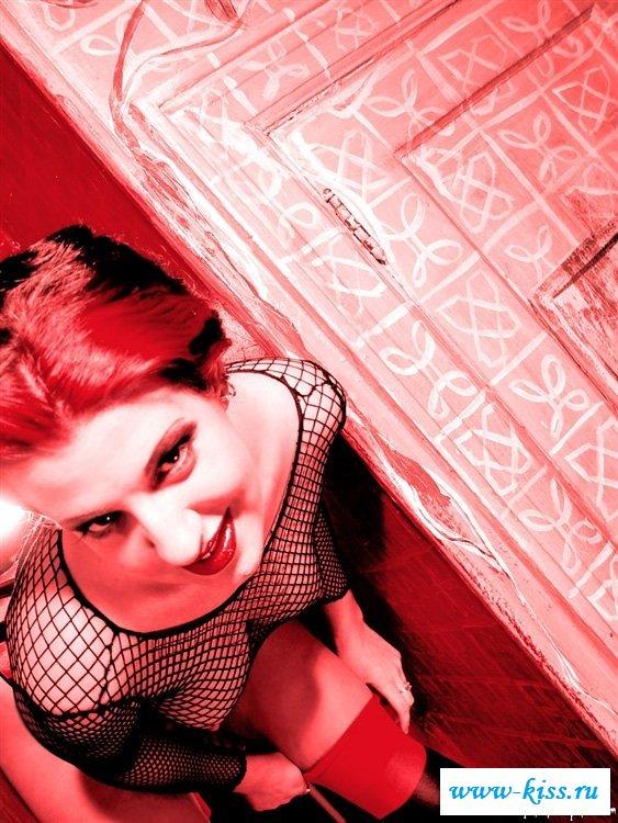 Раздетая дьяволица готка с пухленькой писькой - фото. Порно дьяволица.